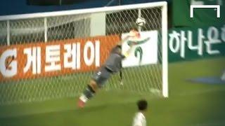 18-year-old Hwang scores top-corner stunner