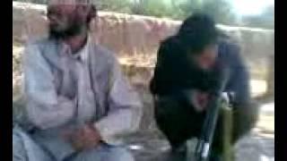افغاني يغني مع ايقاعات مضحكه....rheeb1982