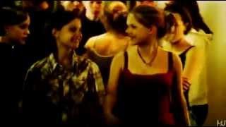 Elin + Agnes (Show Me Love) - Gravity