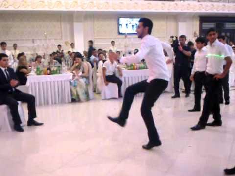 Talant reqs grupu Sumgayit toyu.AZERI wedding dance