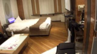 Japanese Love Hotel Room Tour