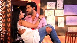 Gunjan to catch Veera and Baldev Romancing in Ek Veer Ki Ardaas Veera