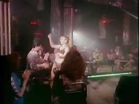 Jorge Dominguez bailando en el antro