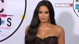 Demi Lovato attends 2017 American Music Awards Red carpet