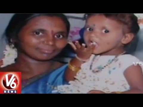 Xxx Mp4 Five Year Old Girl Seeks Alms To Perform Mother S Last Rites Warangal V6 News 3gp Sex