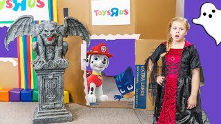 Paw Patrol Ultimate Toys R Us and Chucke Cheeese Spooky Box Fort Toy Hunt