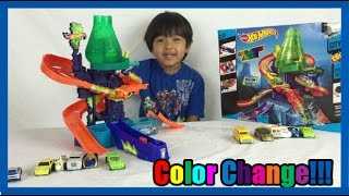 Download COLOR CHANGERS CARS Hot Wheels Color Shifters Splash Science lab kids video Ryan ToysReview 3Gp Mp4