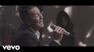 Charlie Zaa - Me Duele el Corazón (Celebración: En Vivo)
