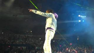 Justin Bieber performing Love me at MSG in NYC