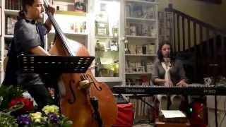 DYNE chanteuse :MON PIANO(A la tombée des Nues)