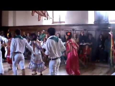 Taquirari Mi Reyes y el Balcero folklore Boliviano