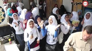 """ولاد البلد المنصورة - رقص وزغاريد طالبات بمدرسة على أنغام """"تسلم الأيادي"""" بالدقهلية"""