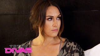 Nikki Bella arrives in Dallas and meets Brie Bella: Total Divas, Nov. 16, 2016