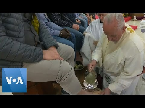 Xxx Mp4 Pope Washes Feet Of Prisoners At Holy Thursday Service 3gp Sex