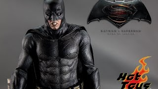 Hot toys Batman v Superman Batman w/ tech cowl