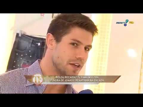 TV Fama Jonas flerta com Renatinha em evento Tá bonita né