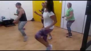 FitDance - Baile de Favela - Profa. Andrea Mello