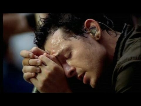 Chester Bennington heartbreaking moments that will make you cry
