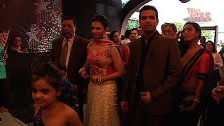 Yeh Hai Mohabbatein Family Rocks at Star Parivaar Awards 2014