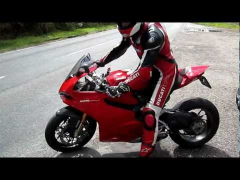 Ducati Panigale 1199 S sound fly by