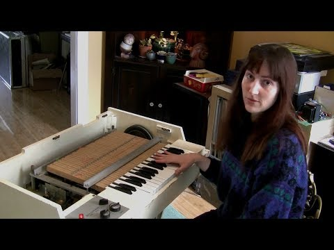 Inside a Mellotron M400 How the Mellotron Works