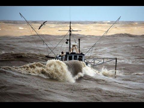 Incredible video fishing boats in rough sea