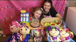 Flipzee Girls go Shopping!  Big Sales on Today!