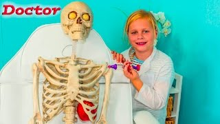 ASSISTANT The Doctor Meets Bones the Skeleton Real Life Doctor Video