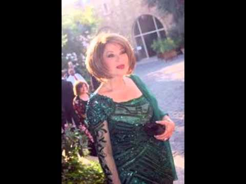 شرين و هيفاء و نانسي و فنانات أخريات بالفستان الأخضر الجميل