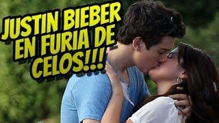 Selena Gomez Besa Otro! Justin Bieber Celoso!