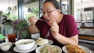Nampol bangeettt makan di Warung Tekko | Soto Betawi • Cah Tauge • Bakwan Jagung