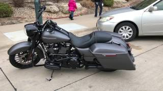 2017 Harley Davidson Road King Special Charcoal Denim Walkaround & Startup Factory Exhaust Sound