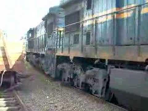 SF36 C 4715 fazendo retorno dos vagões