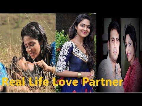 Xxx Mp4 Nandini Serial Actress Malavika Wales Real Love Partner And Family Friends Masti 3gp Sex