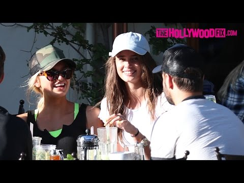 Romee Strijd & Taylor Hill Have Lunch Together With Friends At Urth Caffe 3.27.17