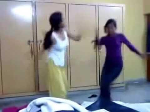 desi punjabi Girls hot desi dance in hostel with full masti hd