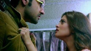 Riya Sen is surprised with Arya Babbar