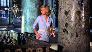 Red grant kills foreign agent -From russia with love 1963