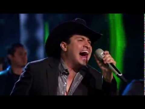 Julión alvarez y Ricardo Montaner cantan me va extrañar