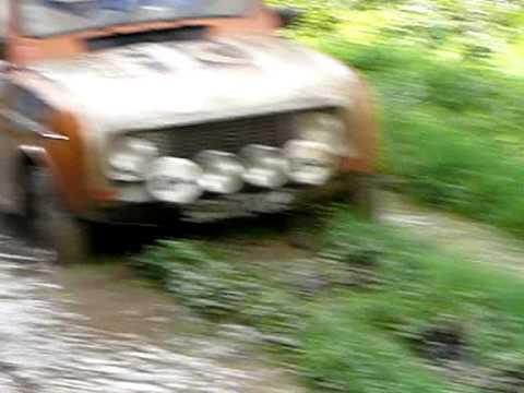 Delire en Renault 4L 4X4