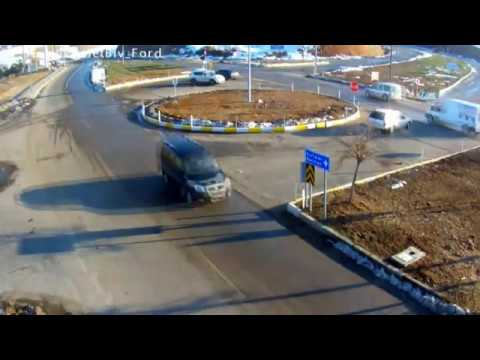 Siirt'teki dikkatsiz sürücü ve yayalar MOBESE kameralarında