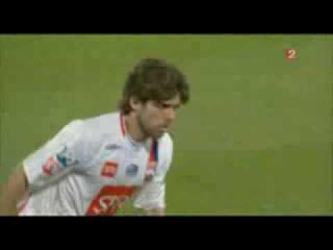 Juninho جونينيو يجعل الكرة تلف بشكل غريب لن تصدق عيناك