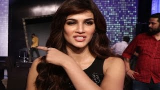Kriti Sanon gets INSULTED on stage | Watch Full Video