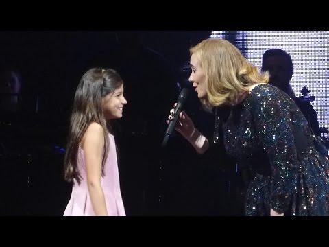 ADELE & little girl Rumour Has It Köln 2016 05 14 Cologne