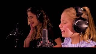 SESSIE: Laura & Emma brengen 'Clown' | The Voice Kids | VTM
