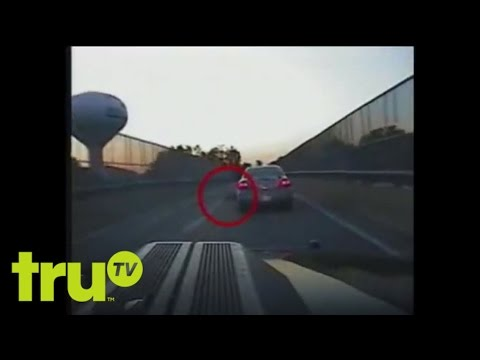 Hot Pursuit - Man Tries to Kidnap His Daughter