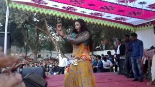 গরম বাংলা নাচ আর হিন্দি গান