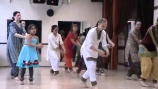Bollywood dancing - Folk Movements on Song -Banni jhule Palna