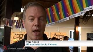 Vietnam's 2015 gay pride parade goes on despite persistent rain