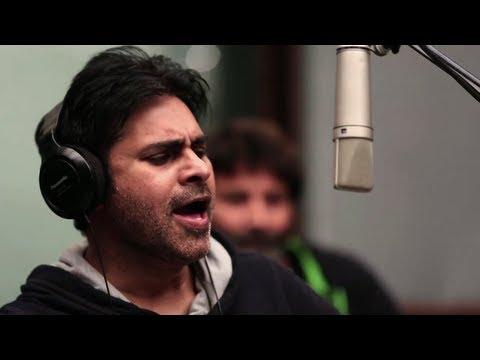 Xxx Mp4 Power Star Pawan Kalyan Singing Kaatam Rayudu Song Attarintiki Daredi Song Making 3gp Sex